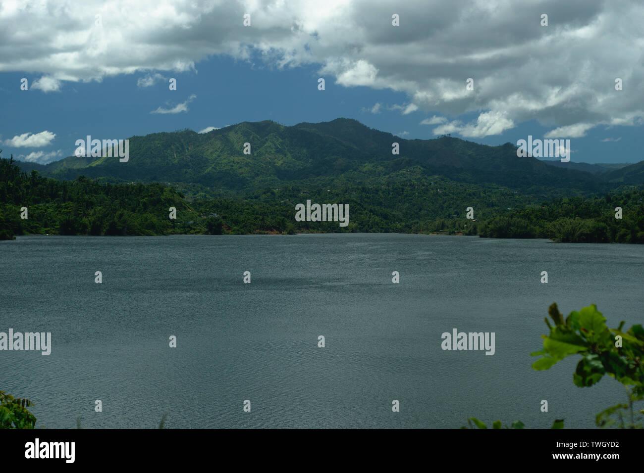 Montaña al sur del lago Caonillas, Utuado PR - Stock Image
