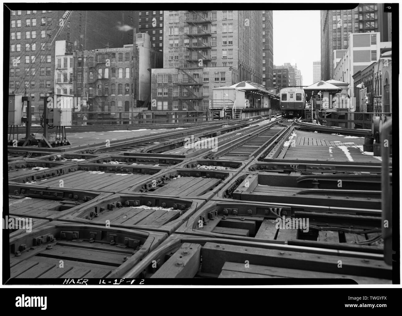 Randolf St. Station seen from the crossing of Wells and Lake Sts. - Union Elevated Railroad, Randolph-Wells Street Station, Randall and Wells Street, Chicago, Cook County, IL - Stock Image