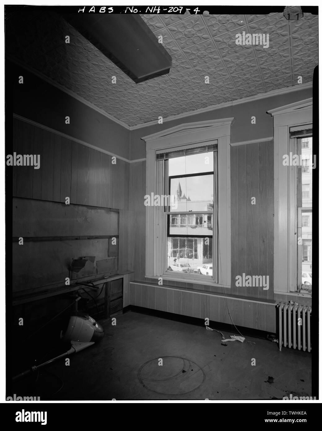 SECOND FLOOR, SOUTHWEST OFFICE, LOOKING WEST - Merchants' Exchange Block, 94-102 North Main Street, Concord, Merrimack County, NH - Stock Image