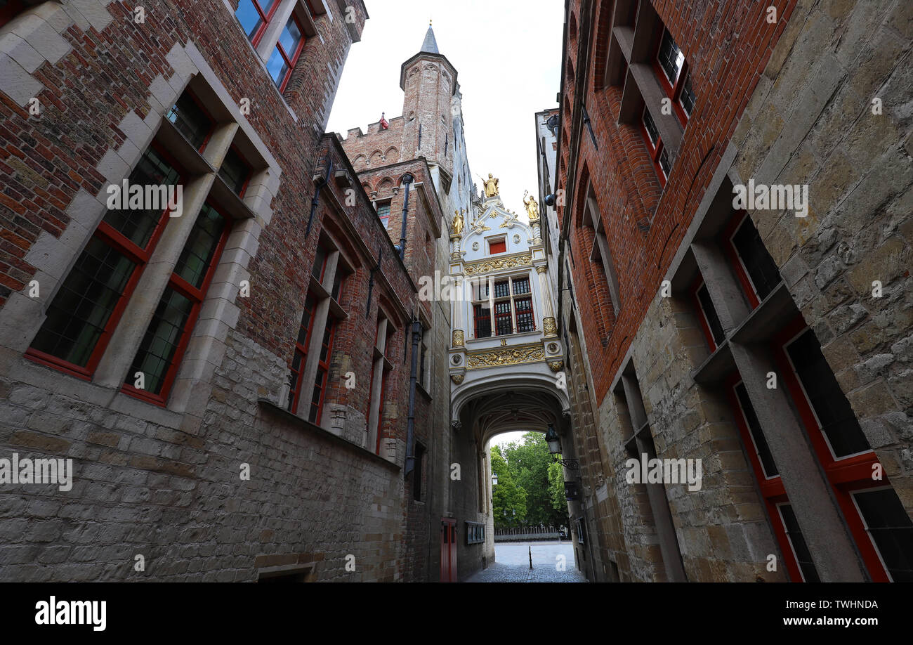 Beautifull Arch between Old Civil Registry and Town Hall, Bruges, Belgium. - Stock Image