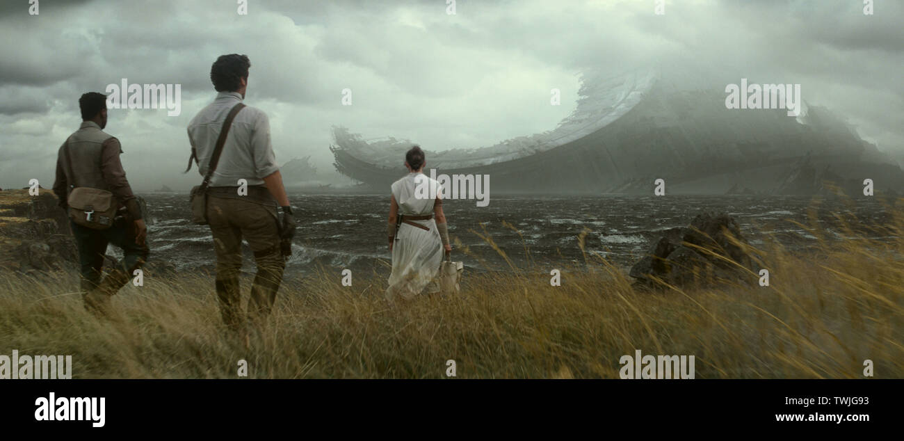 John Boyega, Oscar Isaac, Daisy Ridley, 'Star Wars: Episode IX - The Rise of Skywalker' (2019) Photo Credit: Lucasfilm Ltd. / The Hollywood Archive - Stock Image