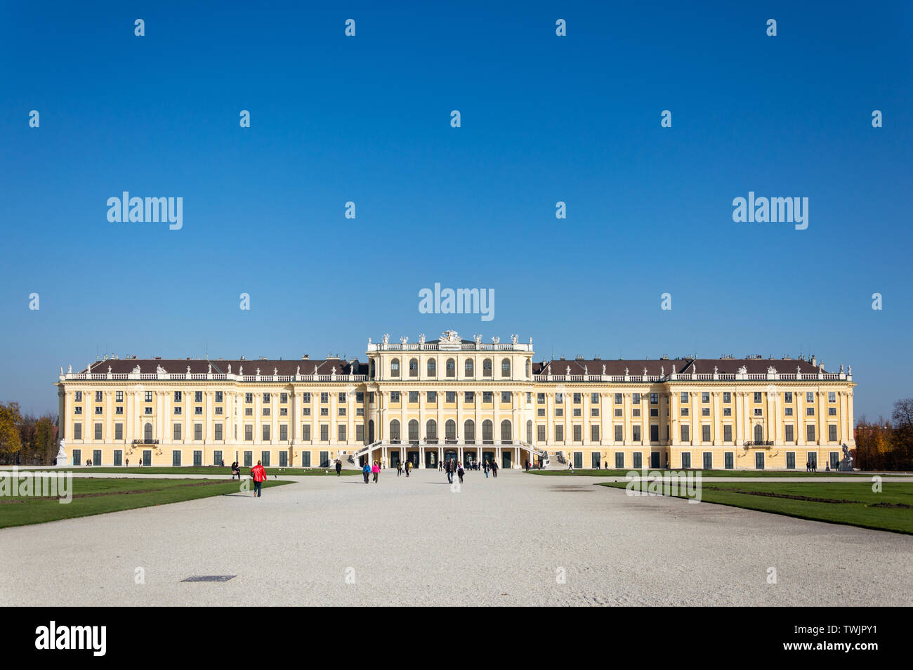 Vienna, AT - October 31, 2015: Autumn view of the Schönbrunn Palace from the garden - Stock Image