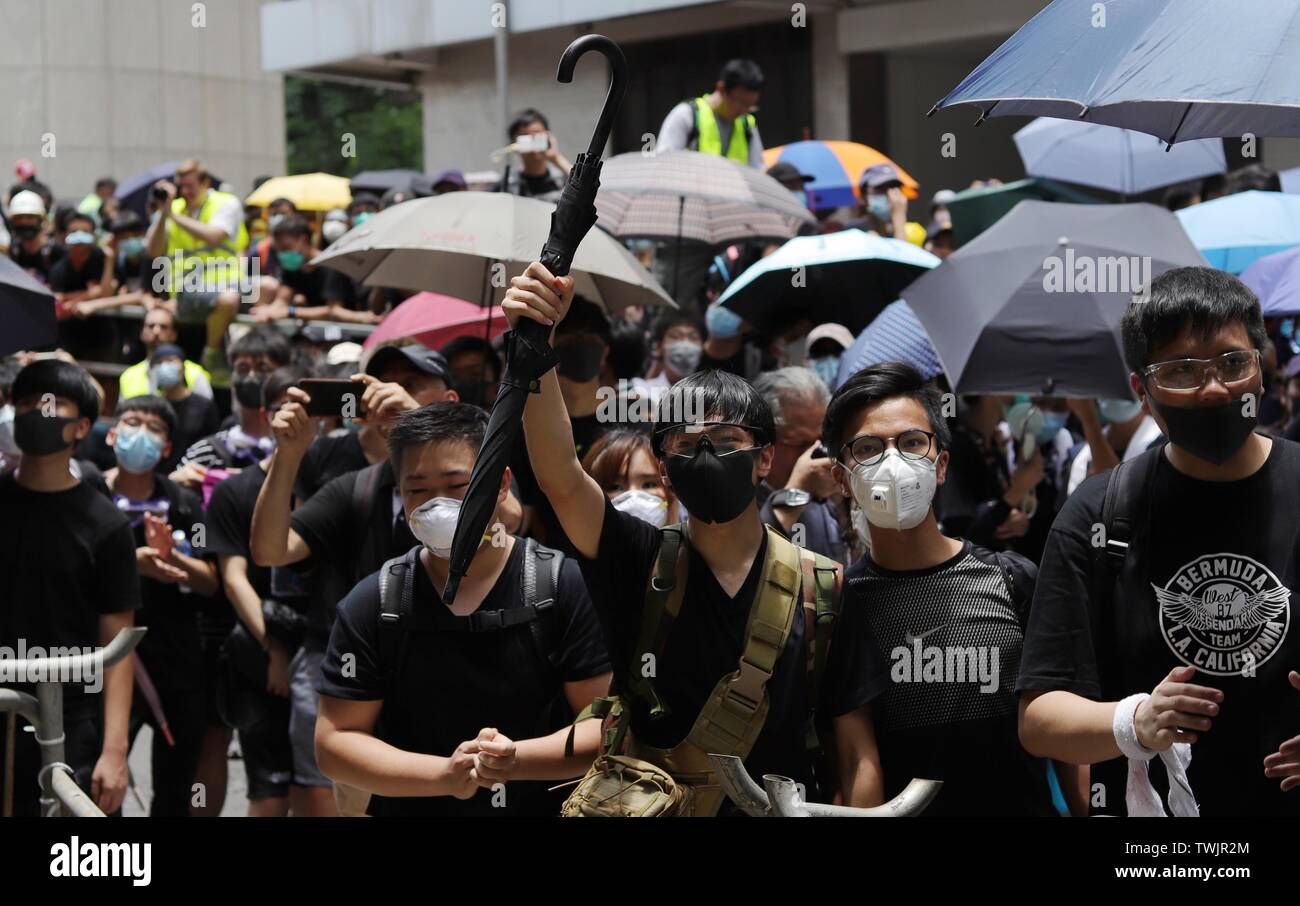 Hong Kong. 21st June, 2019. Protesters condemn HK Police for using excessive force against demonstrators on the June-12 outside HK Police Headquarters as thousand of citizens occupied the main avenue this morning.June-21, 2019 Hong Kong.ZUMA/Liau Chung-ren Credit: Liau Chung-ren/ZUMA Wire/Alamy Live News - Stock Image