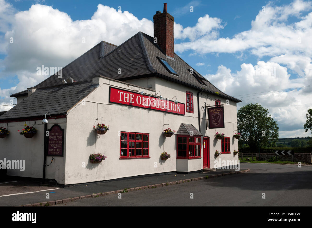 The Old Red Lion pub, Welham, Leicestershire, England, UK - Stock Image