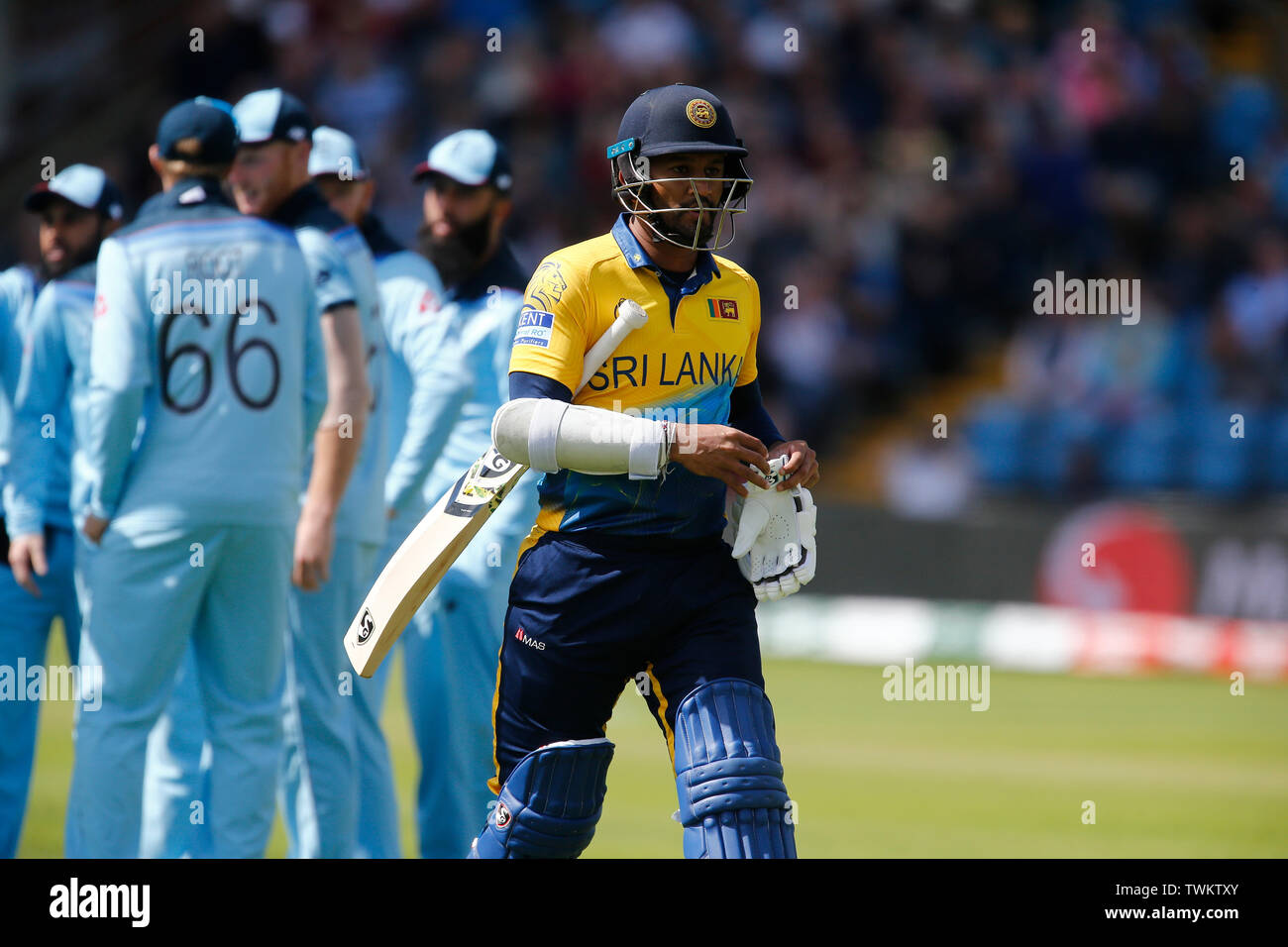 Emerald Headingley, Leeds, Yorkshire, UK. 21st June, 2019. ICC World Cup Cricket, England versus Sri Lanka; Sri Lanka captain Dimuth Karunaratne walks back to the pavilion caught behind for 1 off the bowling of Jofra Archer of England Credit: Action Plus Sports/Alamy Live News Stock Photo