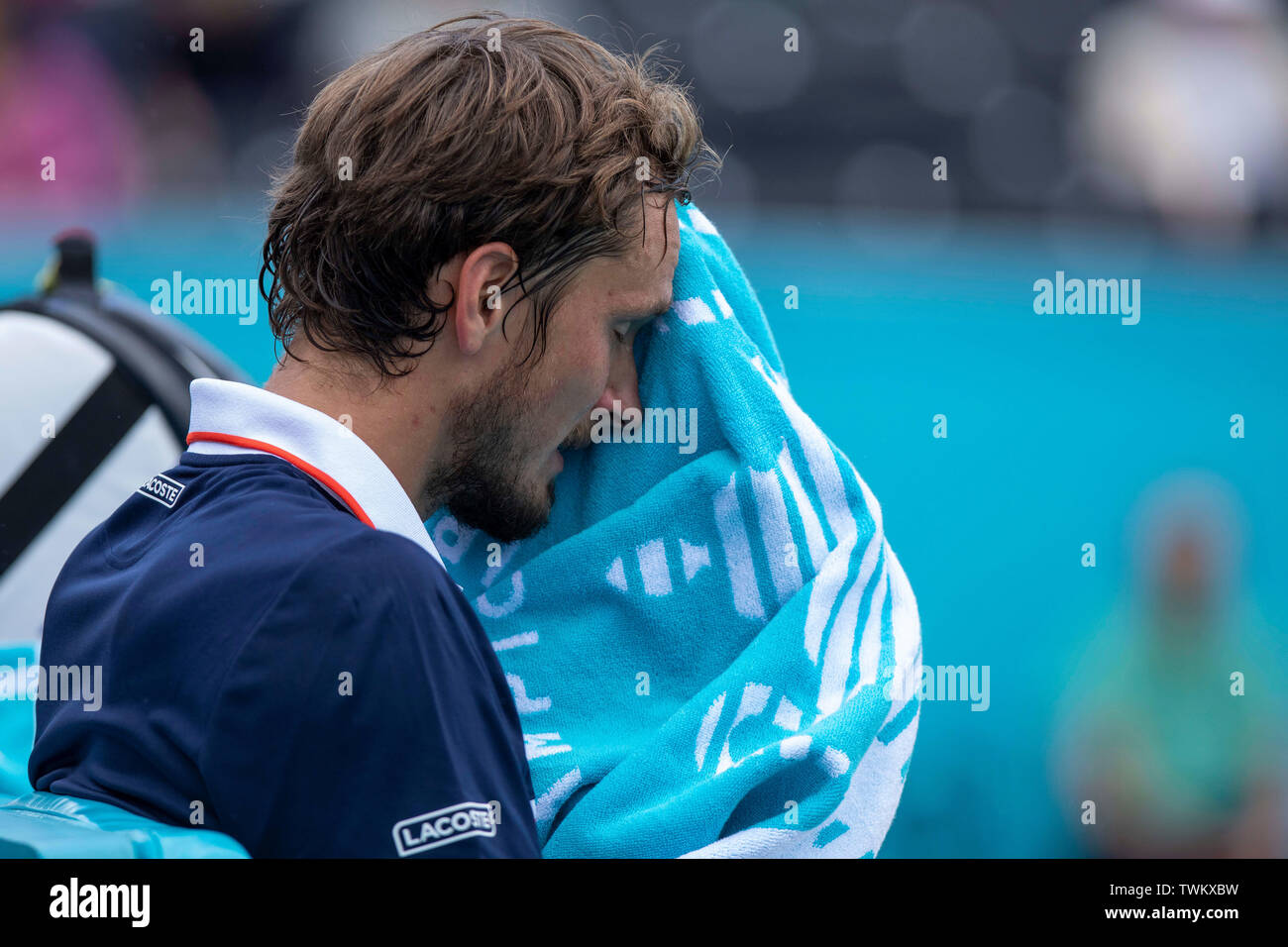 Queen Club, London, UK. 21st June, 2019. The ATP Fever-Tree Tennis Tournament; Daniil Medvedev (RUS) towels off during the break against Diego Schwartzman (ARG) Credit: Action Plus Sports/Alamy Live News Stock Photo
