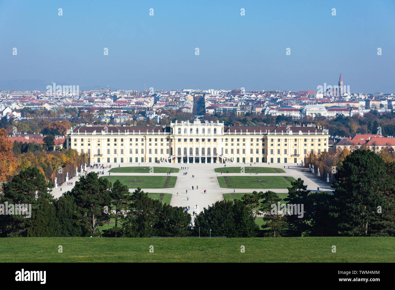 Vienna, AT - October 31, 2015: Autumn view of the Schönbrunn Palace and the city of Vienna from the Gloriette hill - Stock Image