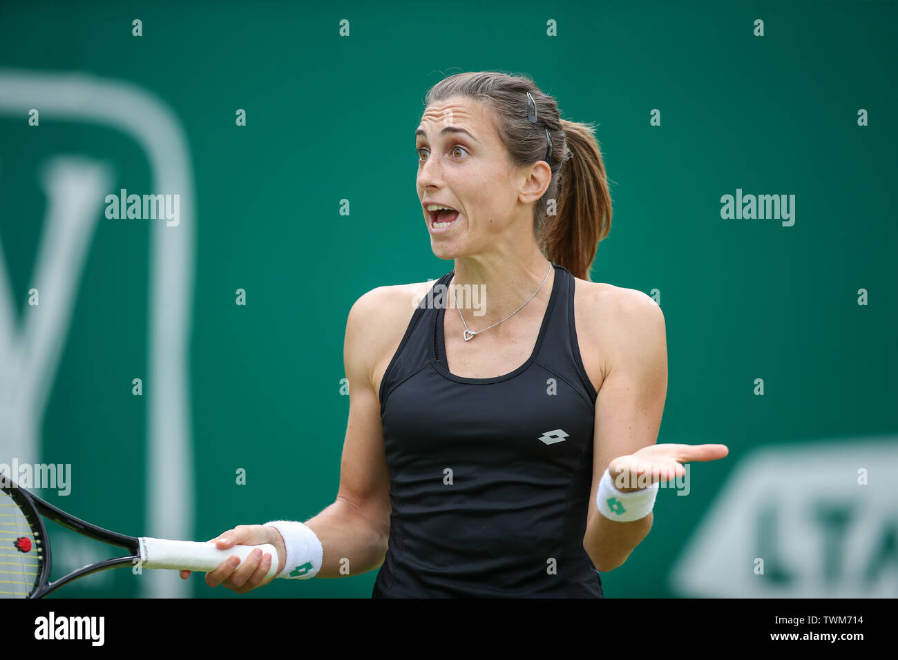 Edgbaston Priory Club, Birmingham, UK. 21st June, 2019. WTA Nature Valley Classic tennis tournament; Petra Martic (CRO) is frustrated and shows it talking to her coach in her quarterfinal match against Jelena Ostapenko (LAT) Credit: Action Plus Sports/Alamy Live News Stock Photo
