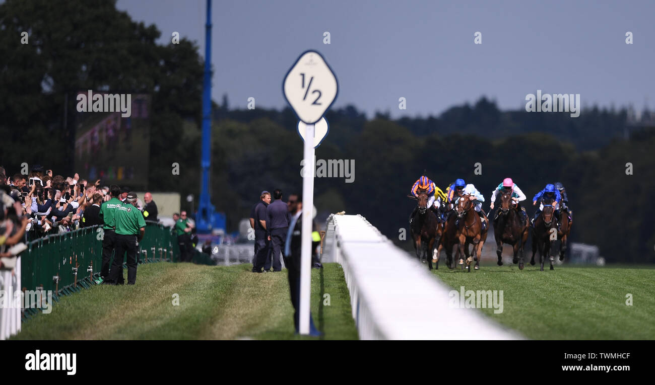Ascot Racecourse, Windsor, UK. 21st June, 2019. Royal Ascot Horse racing; Race 4; Coronation Stakes; runners in the race are cheered on by the crowd Credit: Action Plus Sports/Alamy Live News Stock Photo