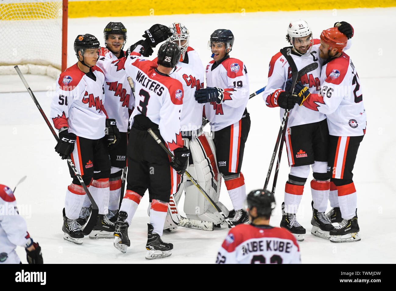 Melbourne, Victoria, Australia. 21st June 2019. 2019 Ice Hockey Classic, Canada versus USA; Canada players celebrate the win Credit: Action Plus Sports Images/Alamy Live News Stock Photo