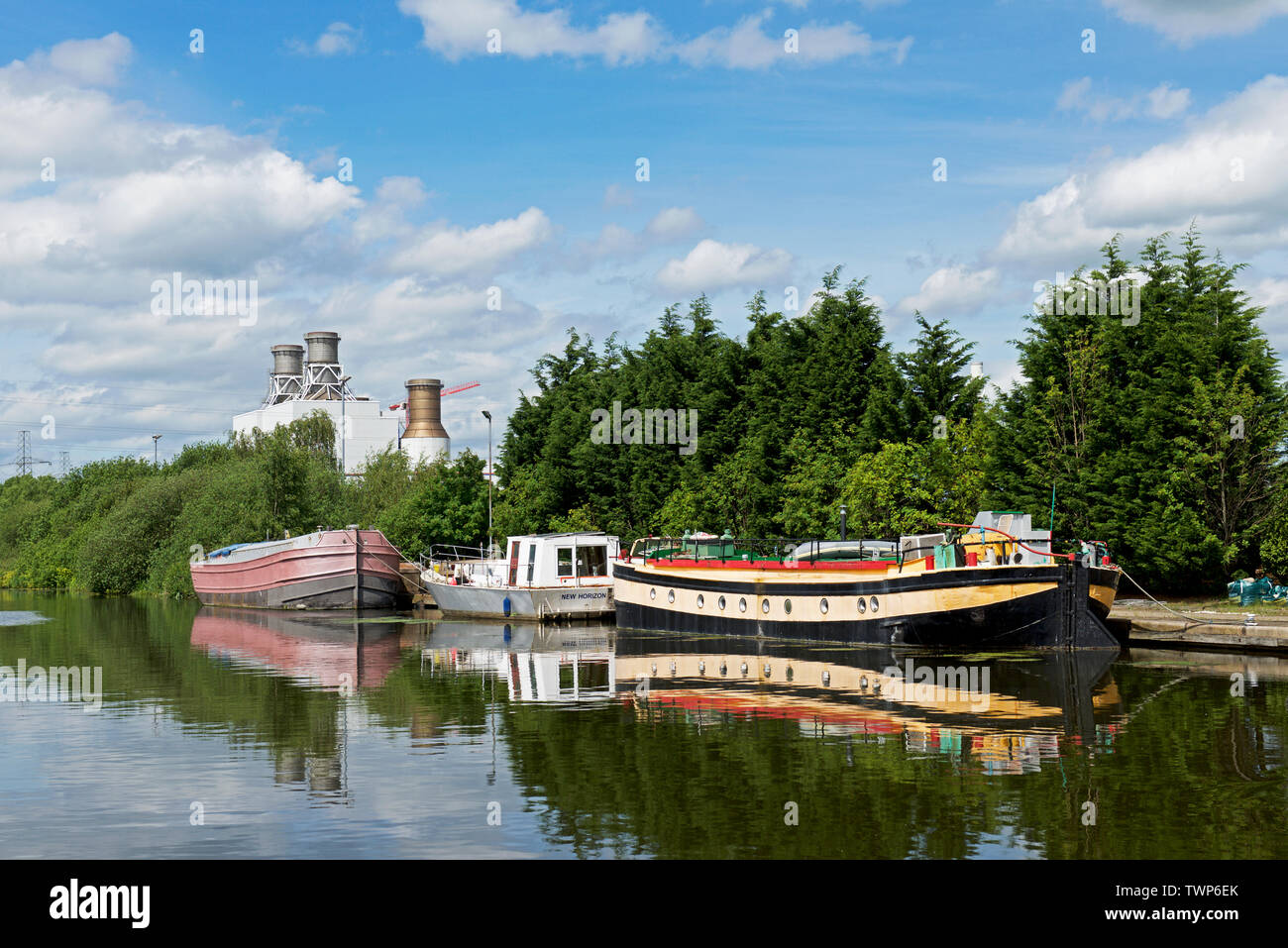 Boats moored on the Stainforth & Keadby Canal, Keadby, North Lincolnshire, England UK - Stock Image