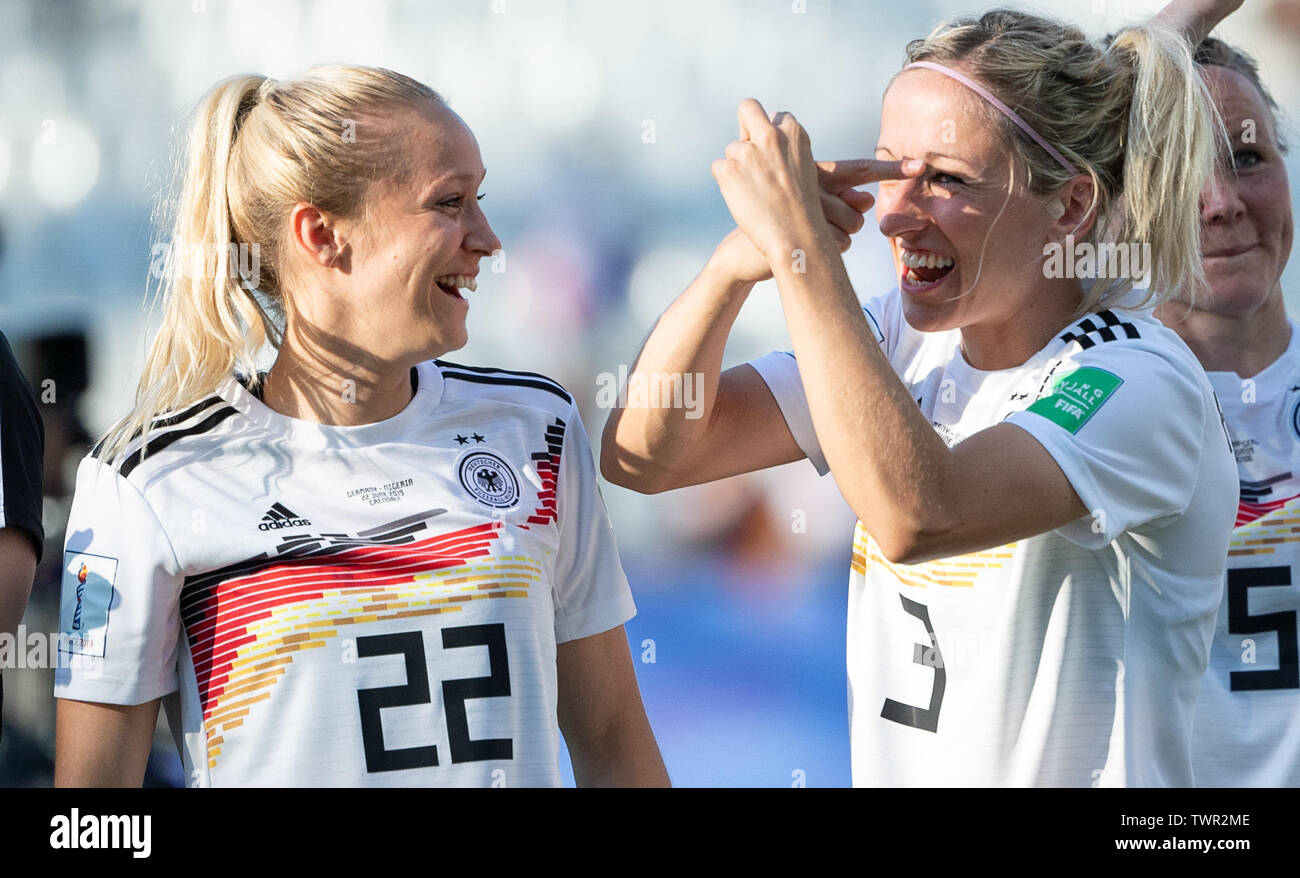 France  22 June 2019, (France), Grenoble: Football, women: WM, Germany - Nigeria final round, round of sixteen, Stades des Alpes: Germany's Turid Knaak (l) and Kathrin Hendrich are happy after the 3:0 victory. Photo: Sebastian Gollnow/dpa - Stock Image