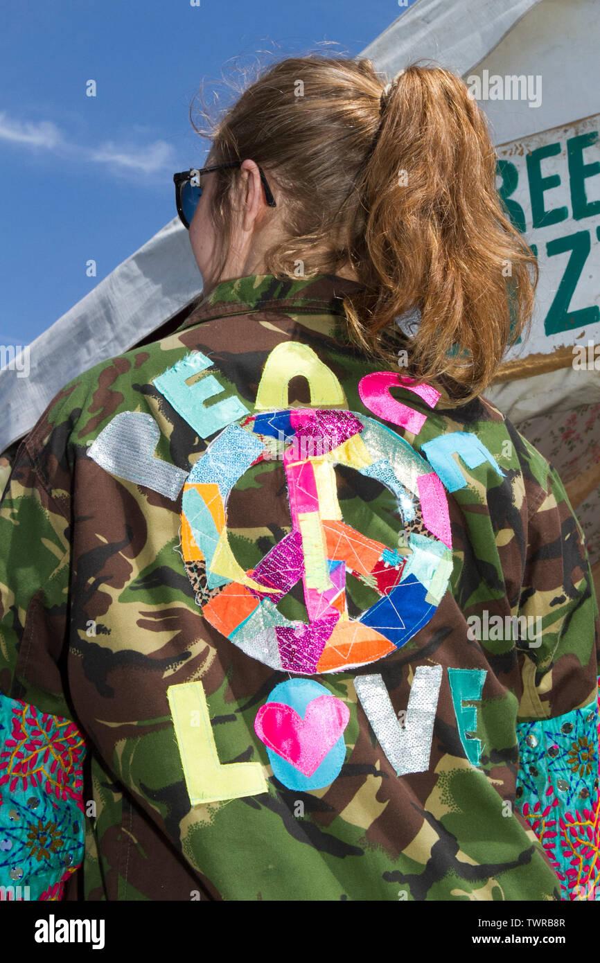 Freedom of Style, Fashion unique female clothing, Africa Oye, Sefton Park, Liverpool, UK - Stock Image