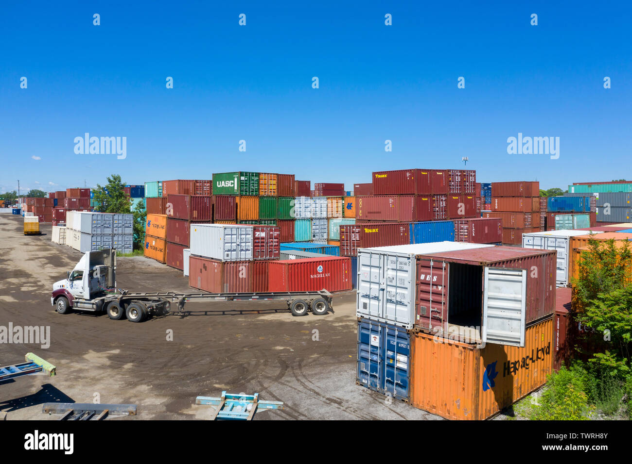 Detroit, Michigan - Shipping containers at ContainerPort Group's trucking terminal and container yard. The facility is on the site of the demolished G - Stock Image