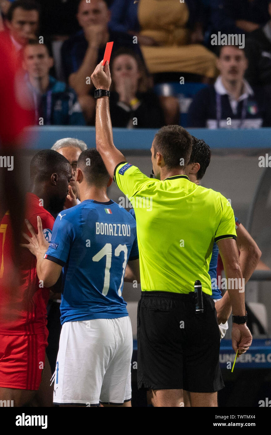 Reggio Emilia, Italy. 22 June, 2019. Isaac Mbenza (Belgium) Red Card during the Uefa Euro Under 21 Italy 2019 Group A match between Belgium 1-3 Italy at Citta del Tricolore Stadium in Reggio Emilia, Italy, June 22, 2019. Credit: Maurizio Borsari/AFLO/Alamy Live News - Stock Image