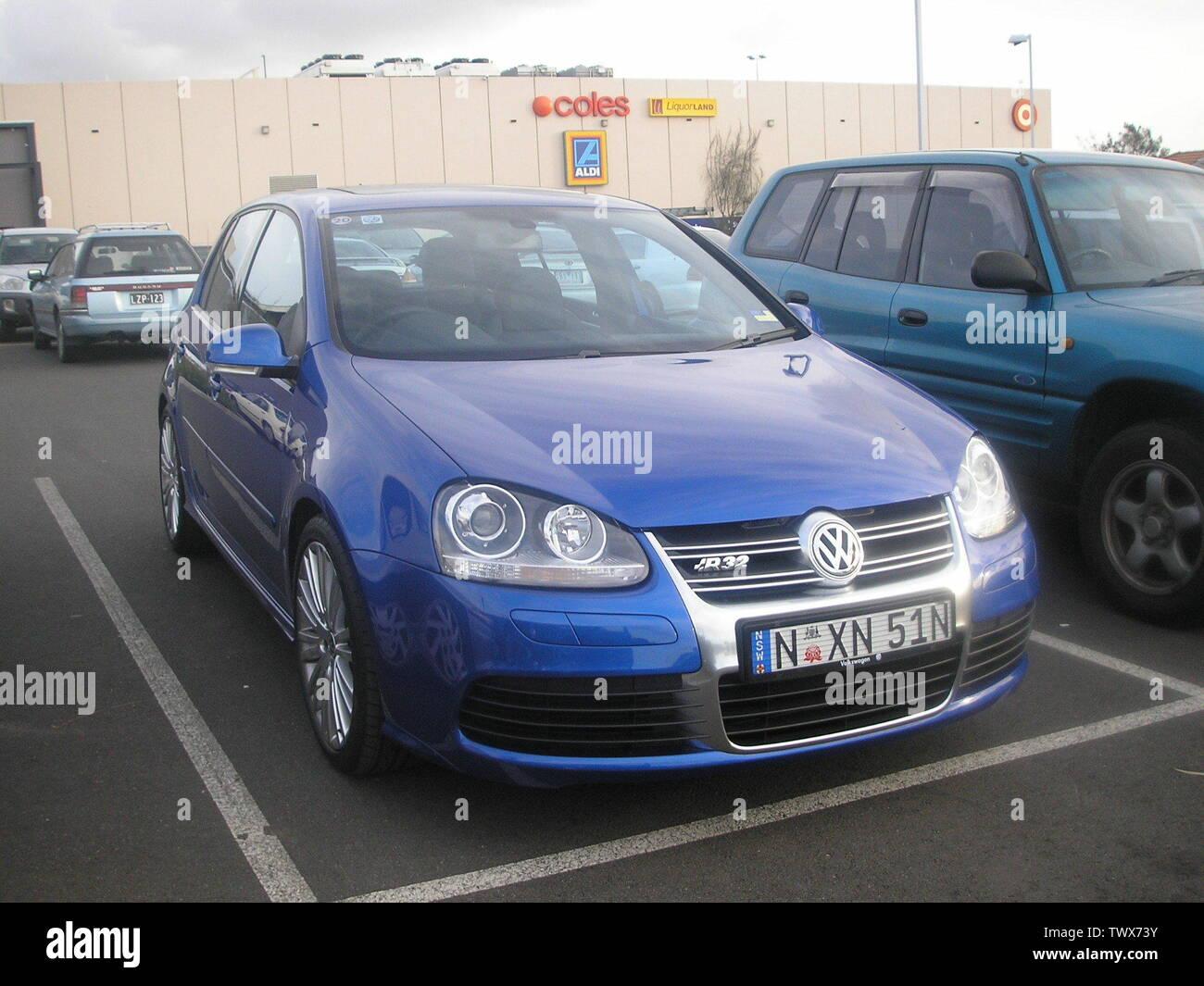 Volkswagen R32 Stock Photos & Volkswagen R32 Stock Images - Alamy