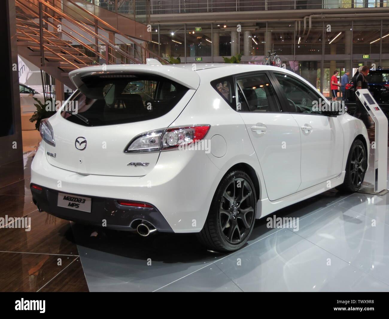Kelebihan Mazda 3 2012 Spesifikasi