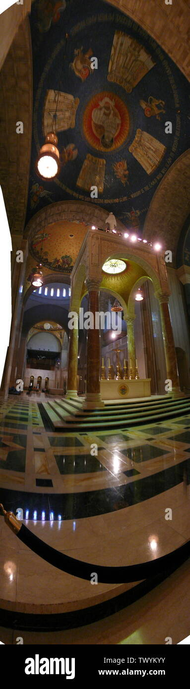 """English: Baldachino Altar of the Basilica of the National Shrine of the Immaculate Conception; 6 May 2007; Own work (Original text:  self-made.); Richelieu08; "" Stock Photo"