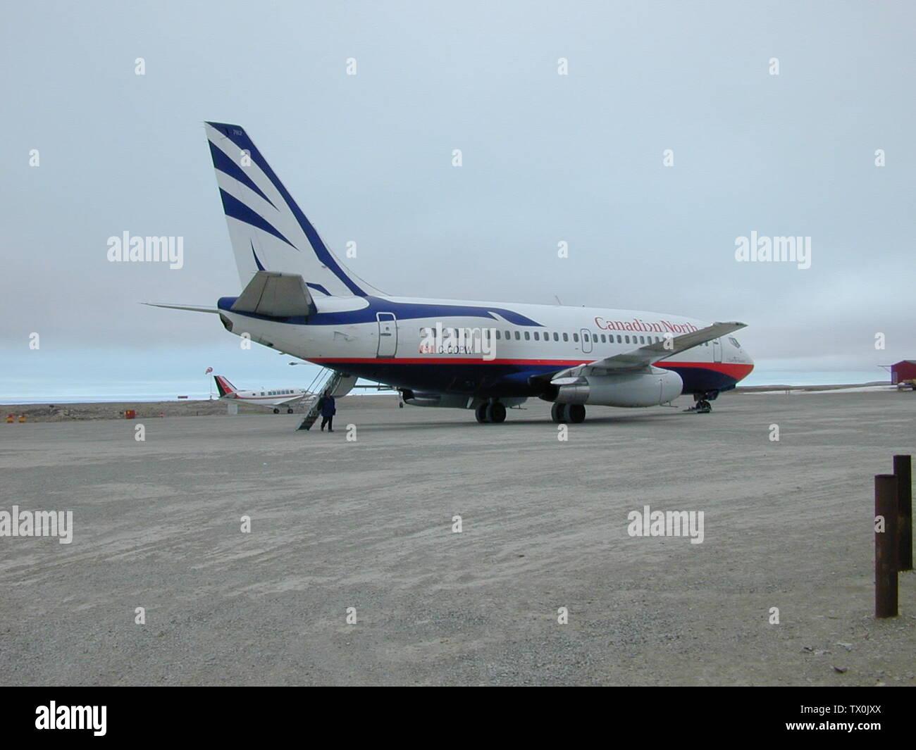 'English: Air Norterra Inc (Canadian North) Boeing 737-275C (B732) (C-GOPW). Picture taken 17th June 1999 at 13:14 MDT (17th June 1999 19:14Z) at Cambridge Bay Airport, Nunavut, Canada; 17 June 1999; Own work; CambridgeBayWeather; ' - Stock Image
