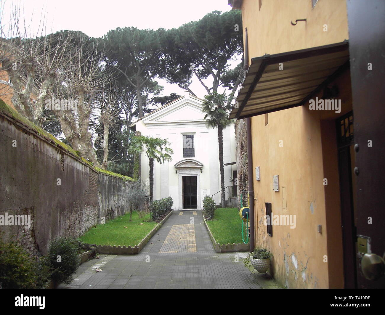 Roma, san Tommaso in Formis; 21 January 2004; Own work; user:Lalupa; Stock Photo