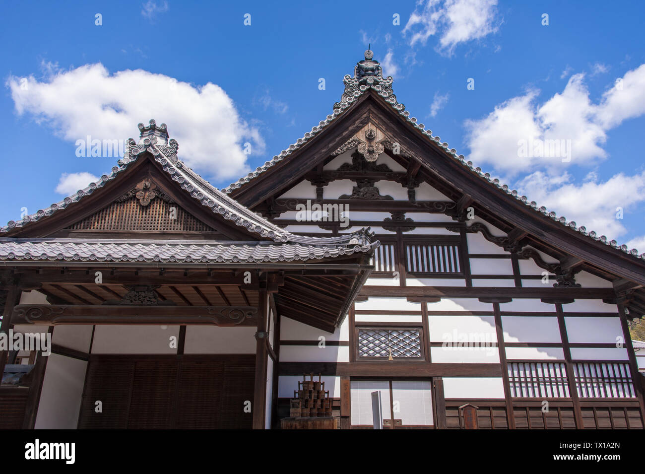 Traditional Japanese Roof Style High Resolution Stock Photography And Images Alamy