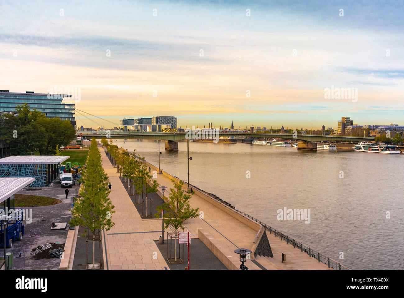 Germany, Cologne, Deutz, promenade at River Rhine - Stock Image
