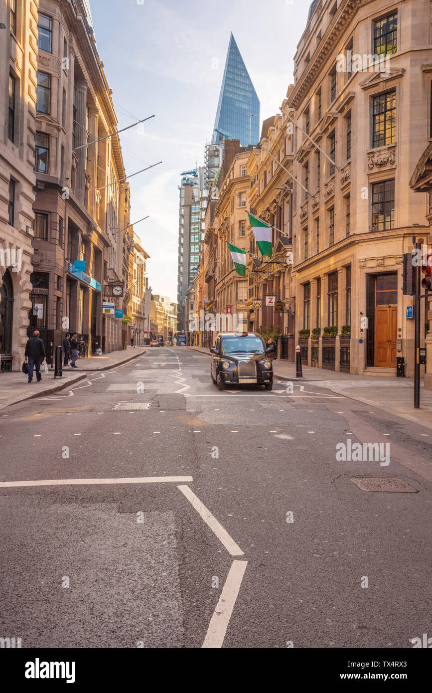 UK, London, Liverpool Street, financial district with the Shard in the background - Stock Image