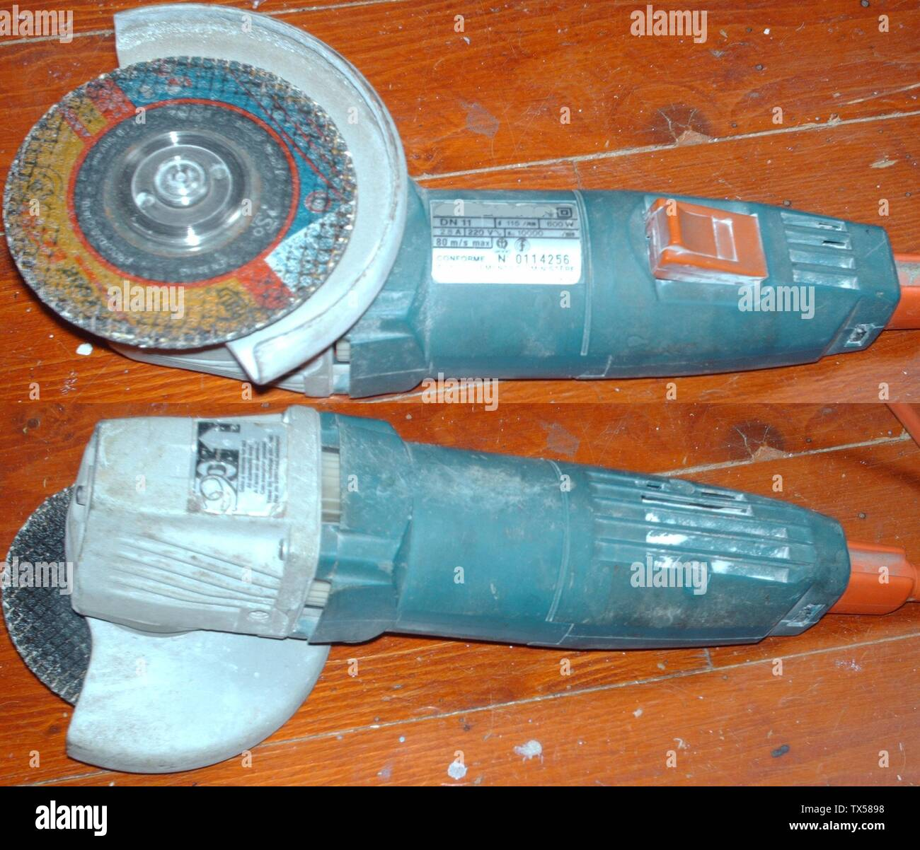 'Nederlands: Een Haakse slijper, merk weggeveegd door Primaxyes. English: An Angle grinder, mark rubbed out by Primaxyes.; 1 June 2007 (original upload date); Transferred from nl.wikipedia to Commons.; Primaxyes at Dutch Wikipedia; ' - Stock Image