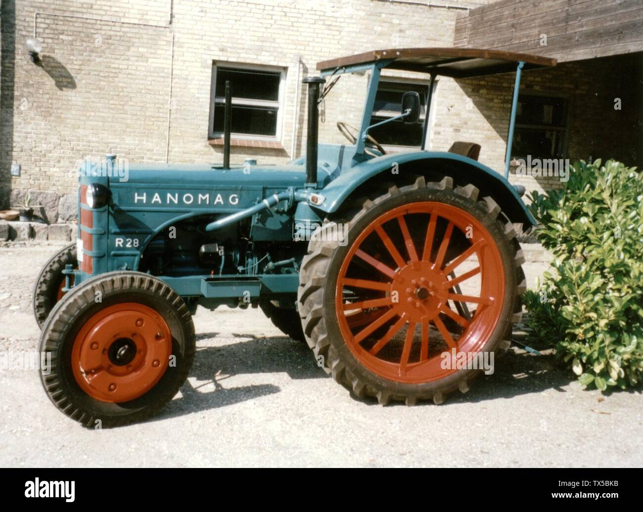 'Deutsch: Hanomag R 28 A; before 20 March 2006 date QS:P,+2006-03-20T00:00:00Z/7,P1326,+2006-03-20T00:00:00Z/11; Own work (PeterSL) English: Transferred from de.wikibooks.org [1]: 2006-03-20 13:38 . . PeterSL . . 2066×1506 (374884 bytes) . .  Public Domain / selbst fotografiert; PeterSL; ' - Stock Image
