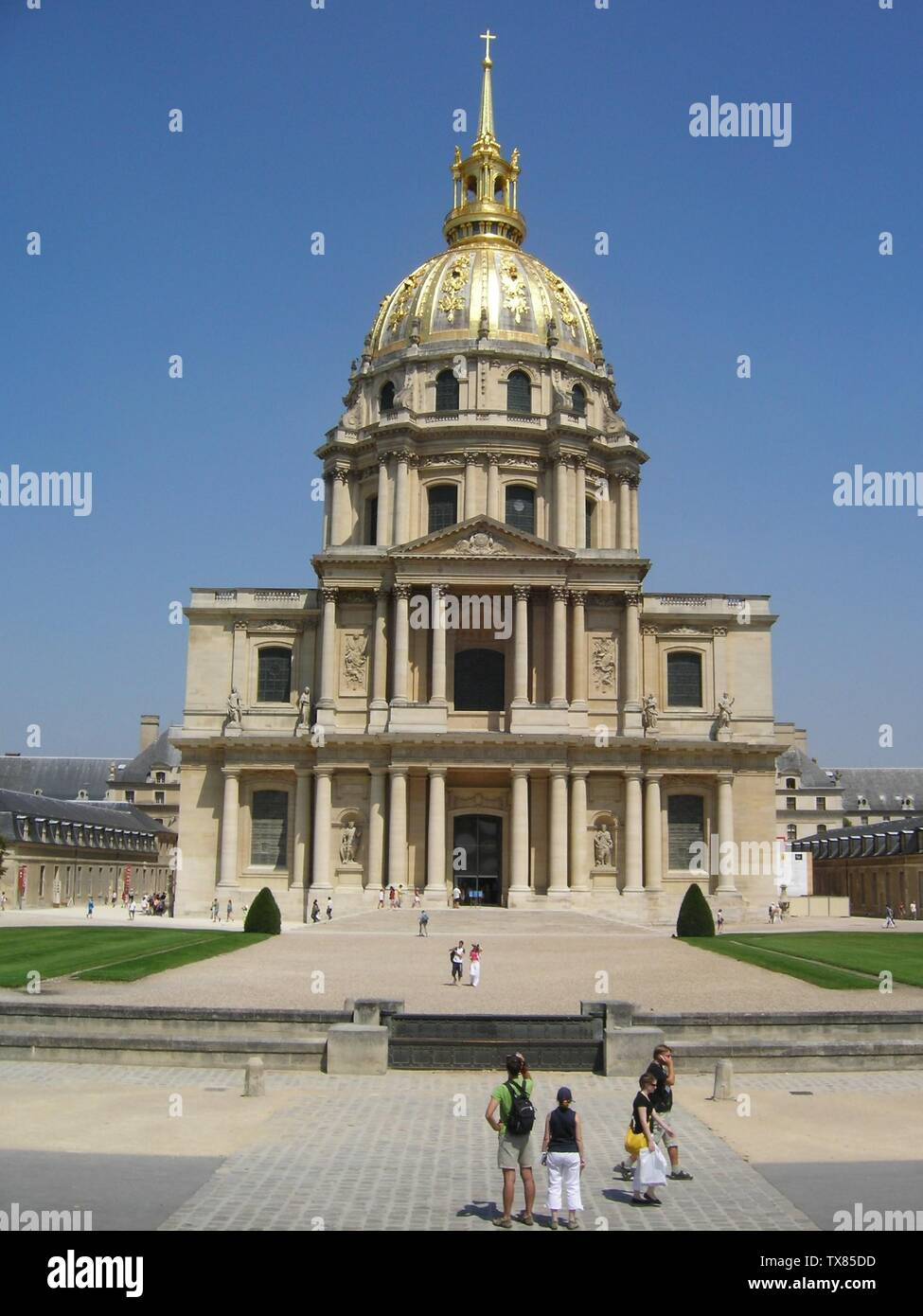 'English: The Les Invalides church.; 28 July 2006 (original upload date); the English language Wikipedia (log); The creator of this image, Alex Buirds, allows Wikipedia to use it freely.; ' - Stock Image