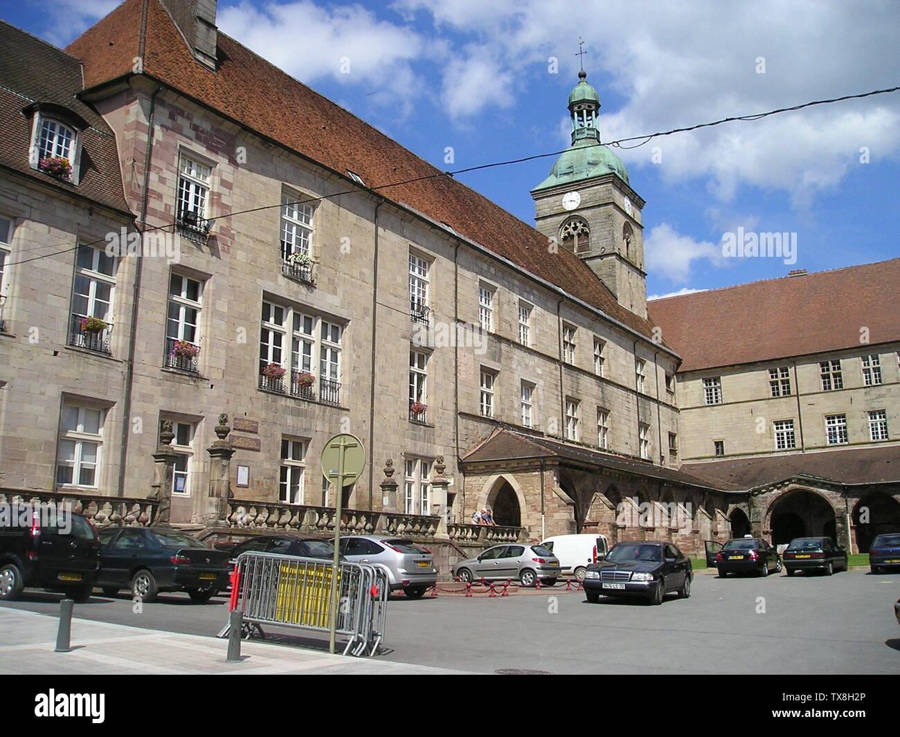 'Deutsch: Luxeuil-les-Bains,_Kreuzgang_an_der_ehemaligen_Klosterkirche St-Colomban; August 2007; Self-photographed (Original text:  selbst fotografiert); KBWEi at German Wikipedia; ' - Stock Image