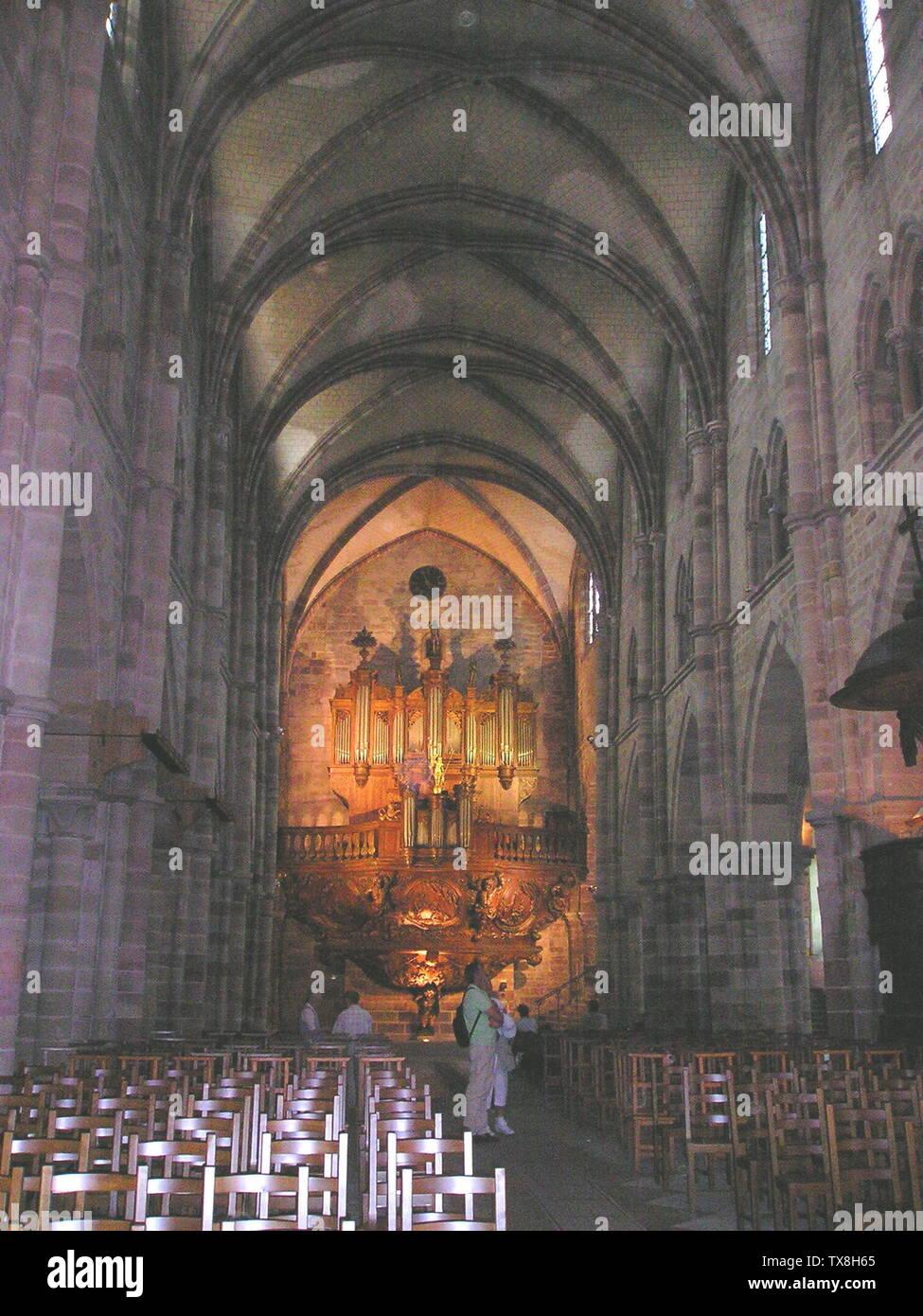 'Deutsch: Luxeuil-les-Bains,_St-Colomban, Inneres mit Orgelprospekt; August 2007; sekbst fotografiert; KBWEi at German Wikipedia; ' - Stock Image