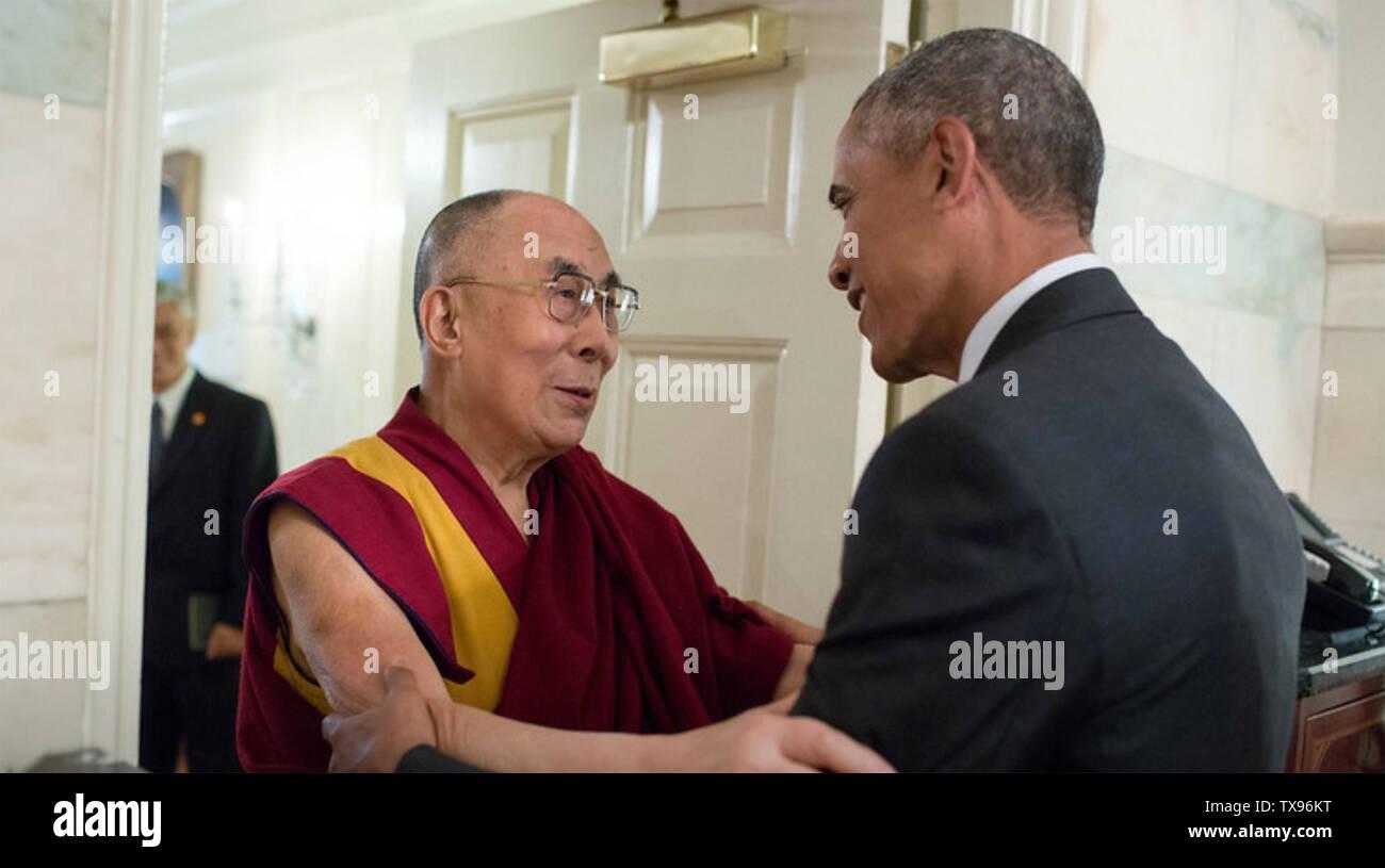 BARACK OBAMA US President greets the Dalai Lama at the White House in June 2016. Photo: White House - Stock Image