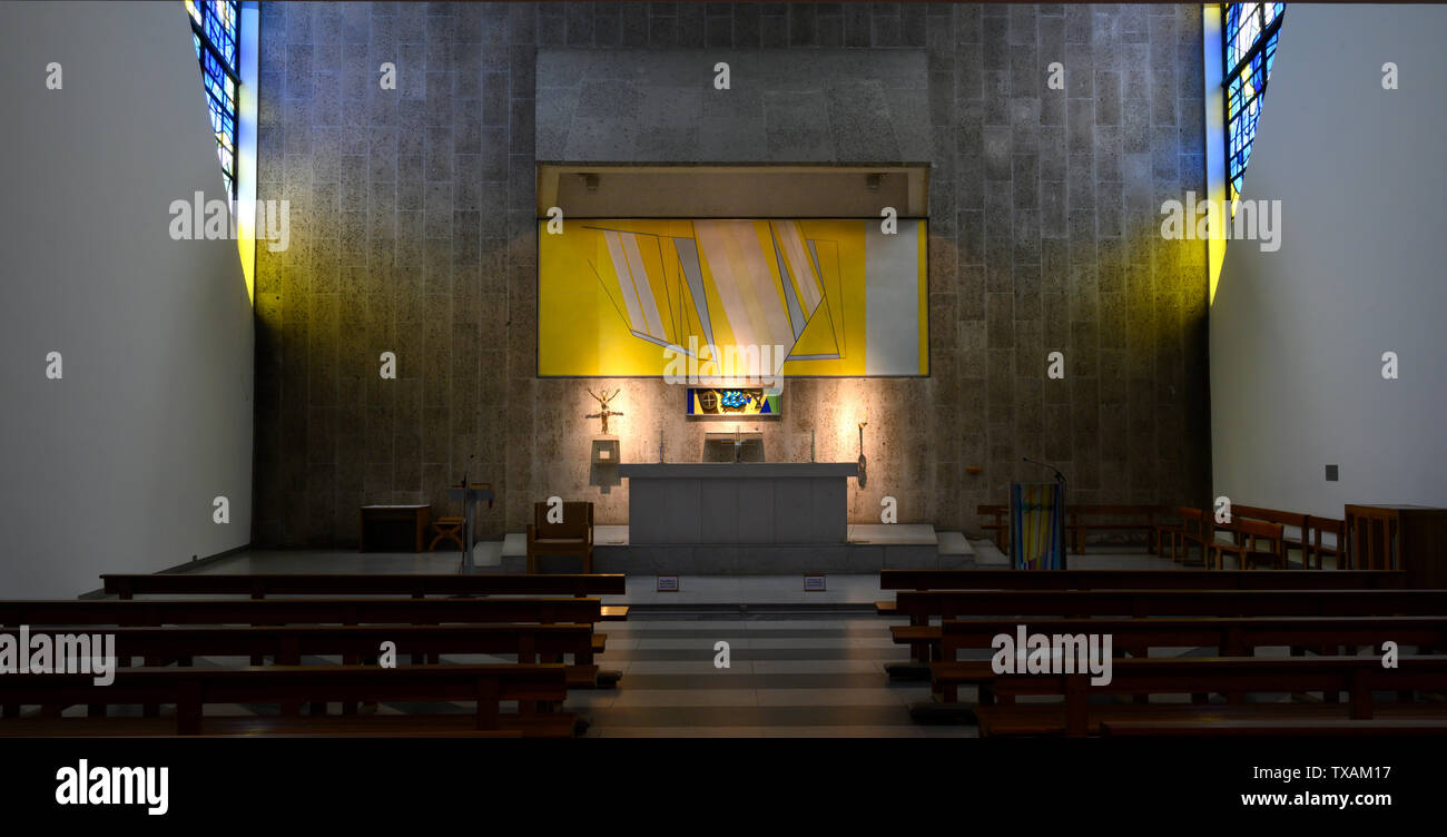 The Altar, Liverpool's Roman catholic Metropolitan Cathedral of Christ the King. Liverpool, England, UK. Stock Photo