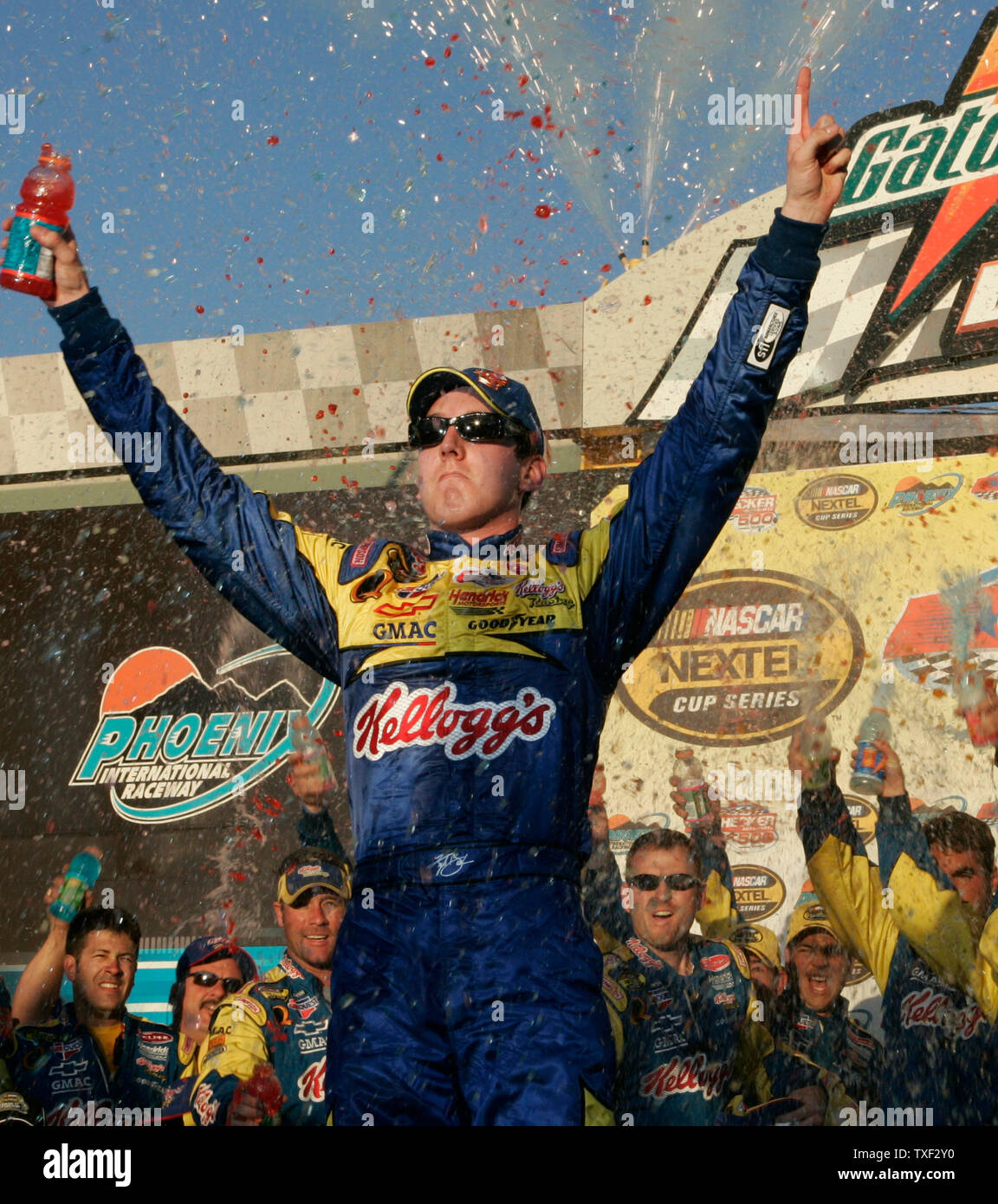 Phoenix Auto Parts >> Kyle Busch Wins The Checker Auto Parts 500 At Phoenix