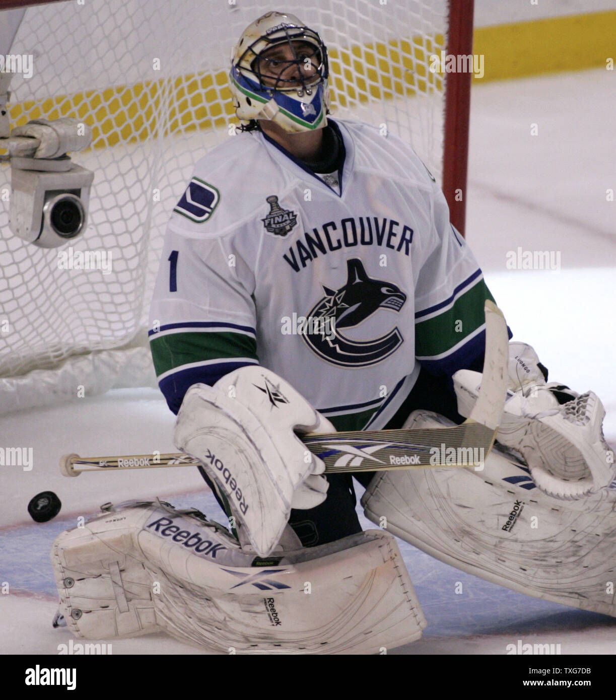 Vancouver Canucks Goaltender Roberto Luongo 1 Reacts After Giving