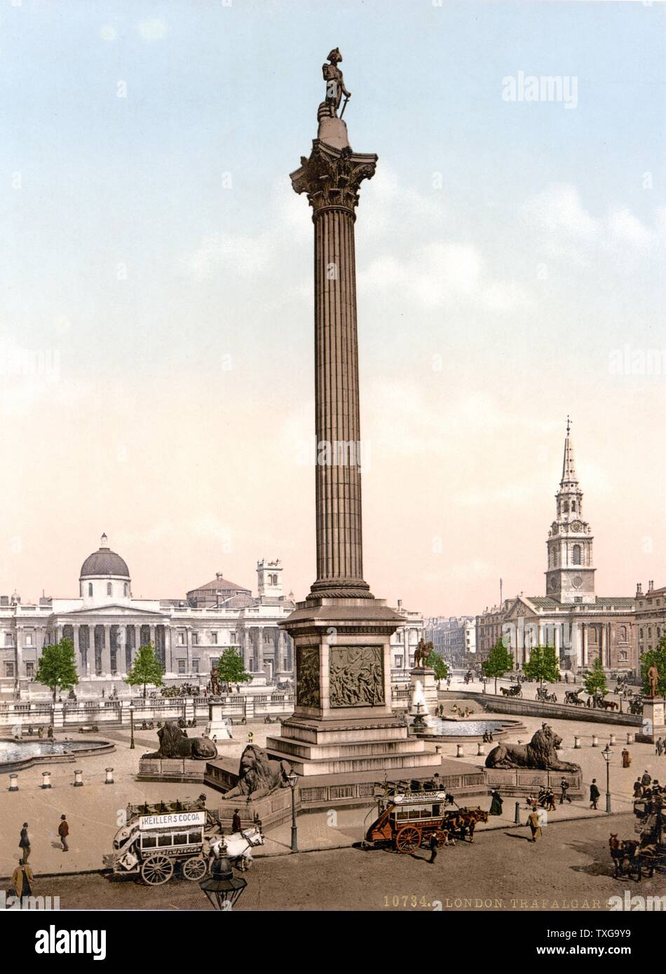 Trafalgar Square, London,  Nelson's Column guarded by Edwin Landseer's lions, the National Gallery in the background and the church of St Martin's-in-the-Fields, right 1890-1900. - Stock Image