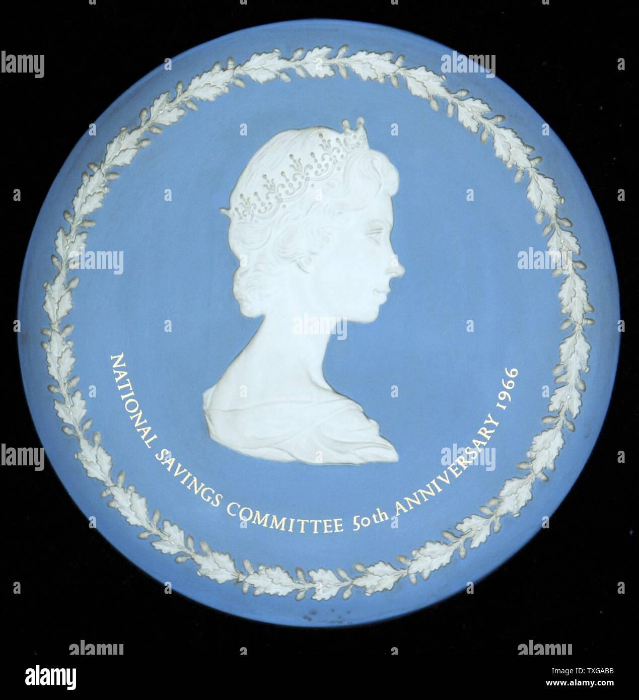 Queen Elizabeth Ii Profile Stock Photos & Queen Elizabeth Ii