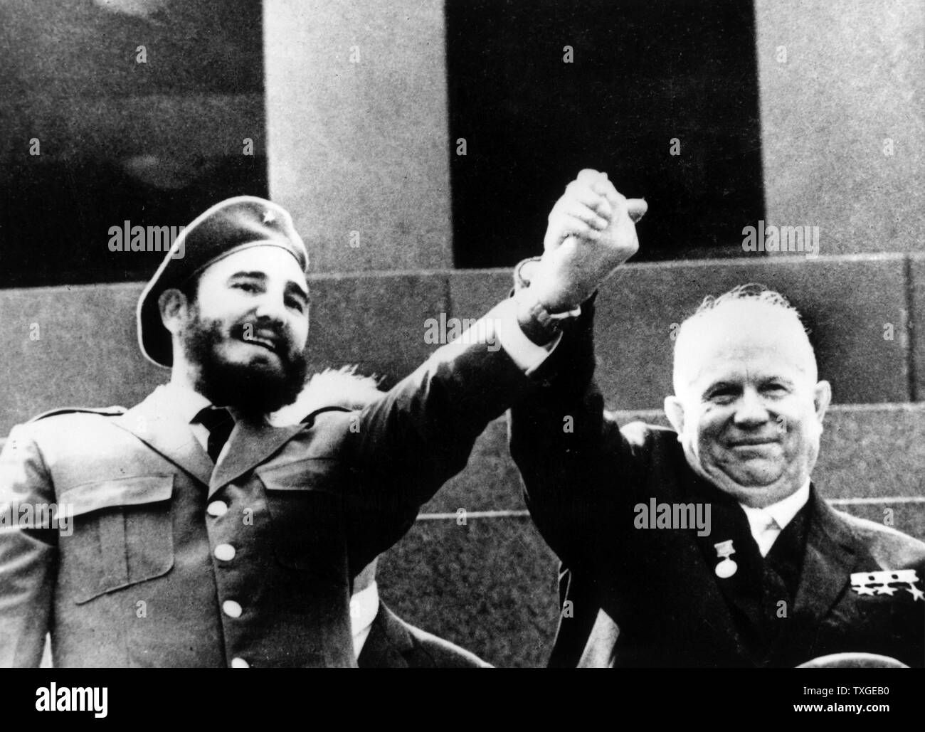 Photograph of Fidel Castro (1926-) and Nikita Khrushchev (1894-1971) in front of the tomb of Vladimir Lenin (1970-1924). Dated 1963 - Stock Image