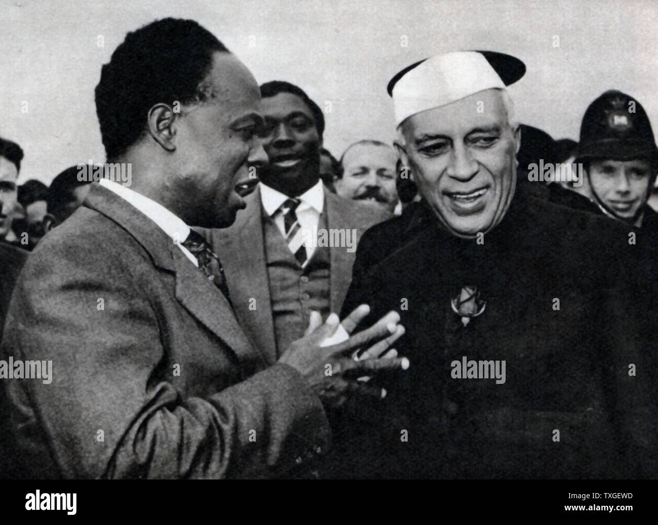 Photograph of Prime Minister Jawaharlal Nehru and Prime Minister Kwame Nkrumah during the Commonwealth Conference. Dated 1960 - Stock Image