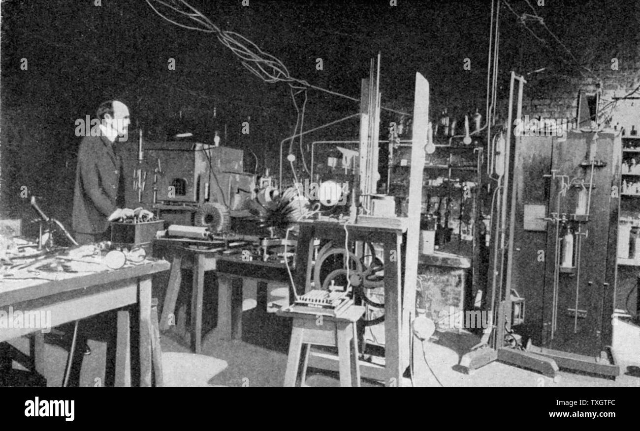 Joseph John Thomson (1856-1940) British physicist, discoverer of Electron and pioneer of nuclear physics.  Here at work in the Cavendish Laboratory, Cambridge. Stock Photo