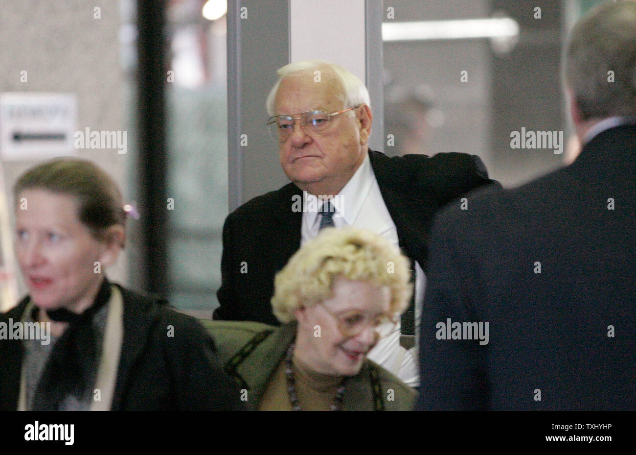 Former Illinois Gov  George Ryan arrives in court to face