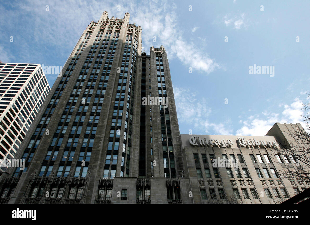 The Chicago Tribune company corporate headquarters stands in downtown Chicago on April 2, 2007. Monday the Tribune Co. accepted an $8.2 billion buyout offer from real estate investor Sam Zell. The deal, which is not finalized until approved by the shareholders, leaves the Tribune's board the option of accepting a higher bid and also includes selling the Chicago Cubs at the end of the 2007 season. (UPI Photo/Brian Kersey) Stock Photo