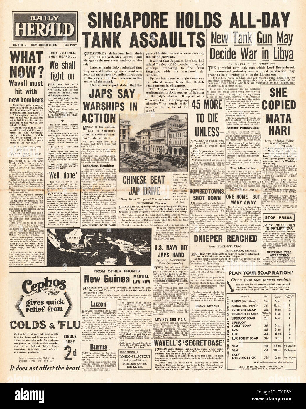 1942 front page Daily Herald Battle of Singapore Stock Photo