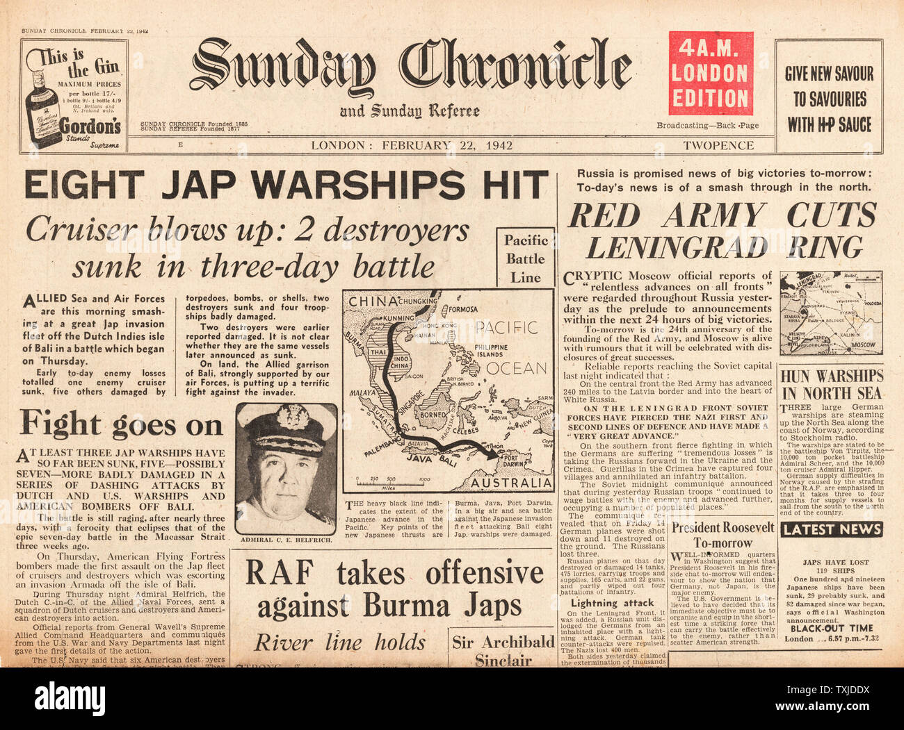 1942 front page  Sunday Chronicle Allied Ships and Aircraft attack Japanese Fleet off Bali and Siege of Leningrad Stock Photo