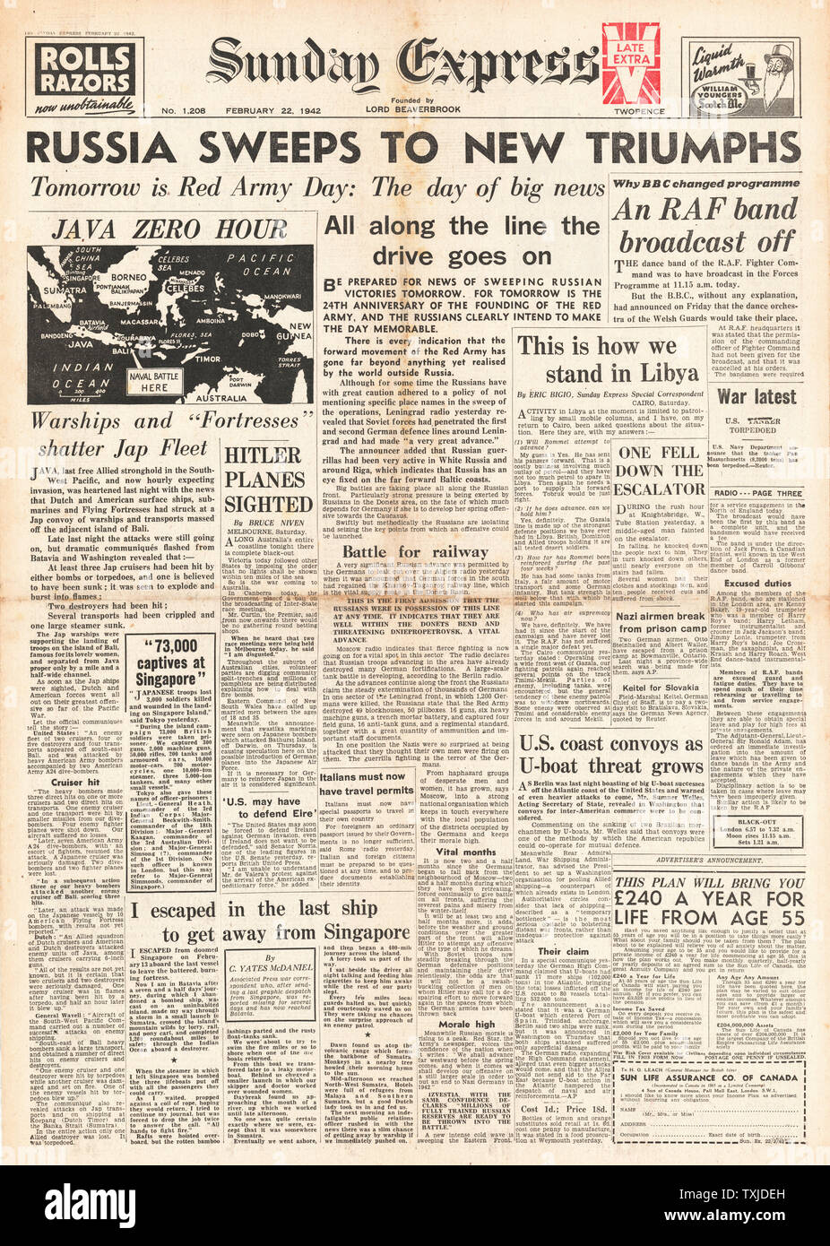 1942 front page Sunday Express Allied Ships and Aircraft attack Japanese Fleet off Bali and Siege of Leningrad Stock Photo