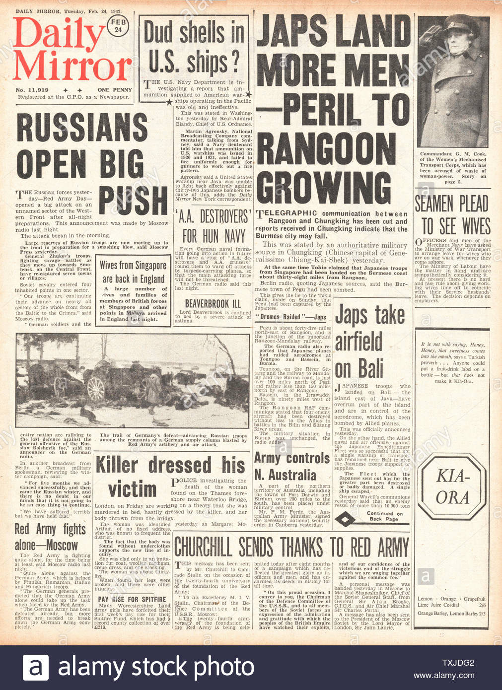 1942 front page  Daily Mirror Russian Army launch drive on Smolensk and Battle for Burma Stock Photo