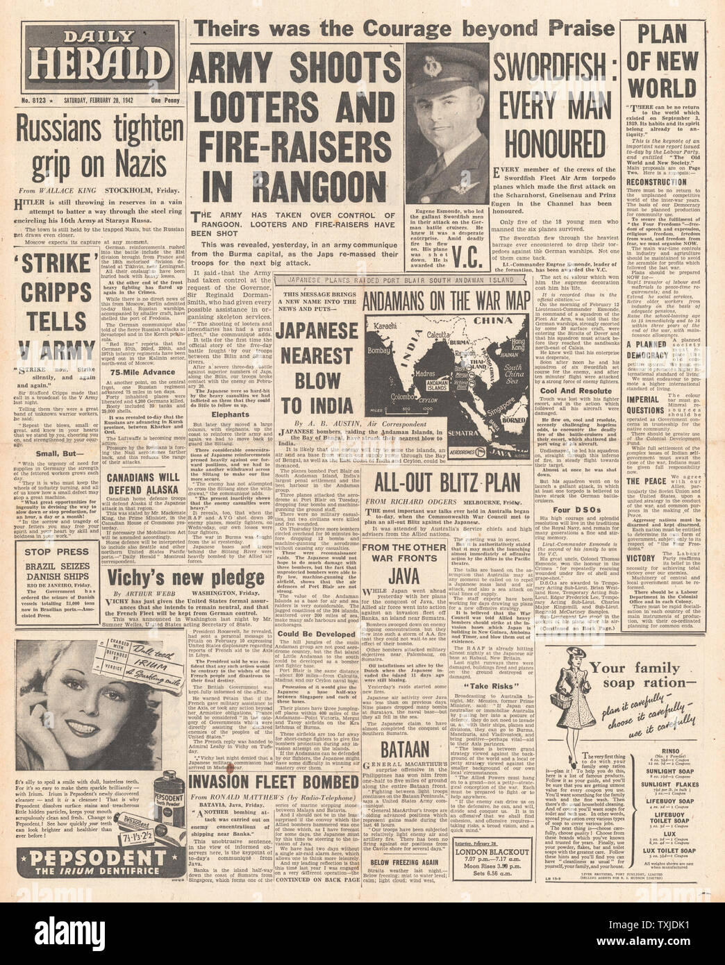 1942 front page  Daily Herald Russian Army advance in Ukraine and Crimea and Eugene Esmonde awarded the VC Stock Photo