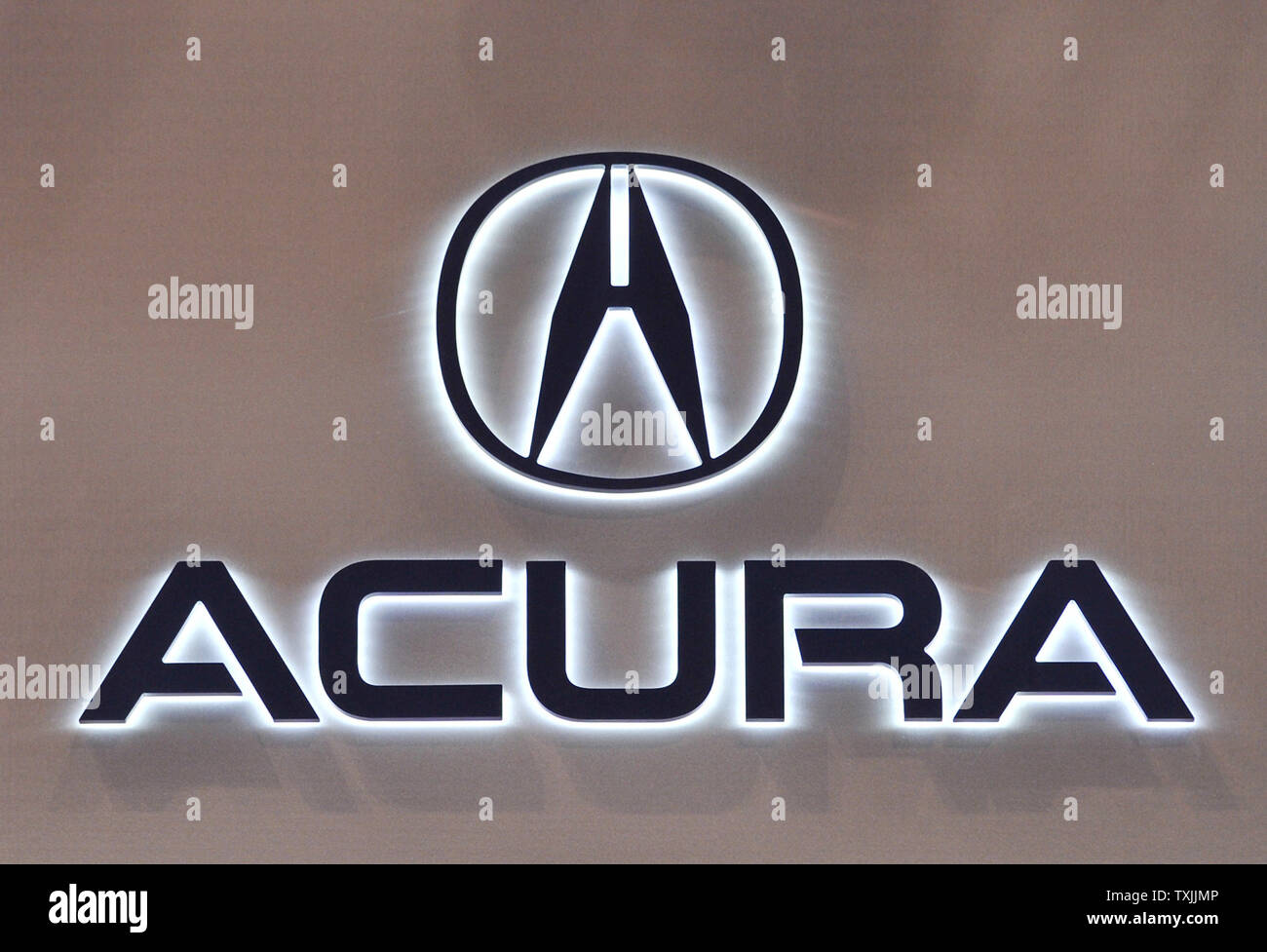 Acura Logo High Resolution Stock Photography And Images Alamy