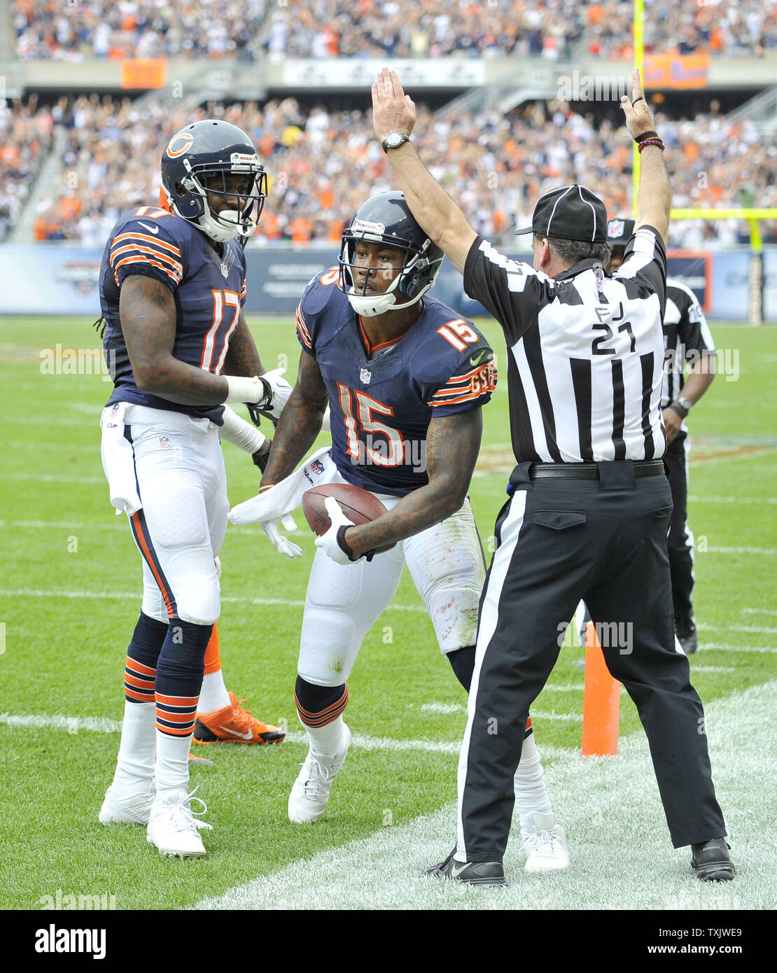 timeless design 69985 48312 Chicago Bears wide receivers Alshon Jeffery (L) and Brandon ...